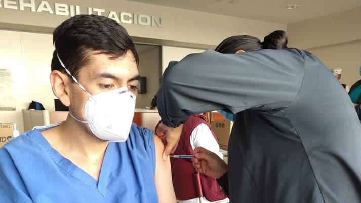 Está lista la vacuna para el personal de la salud del sector privado en Guanajuato.